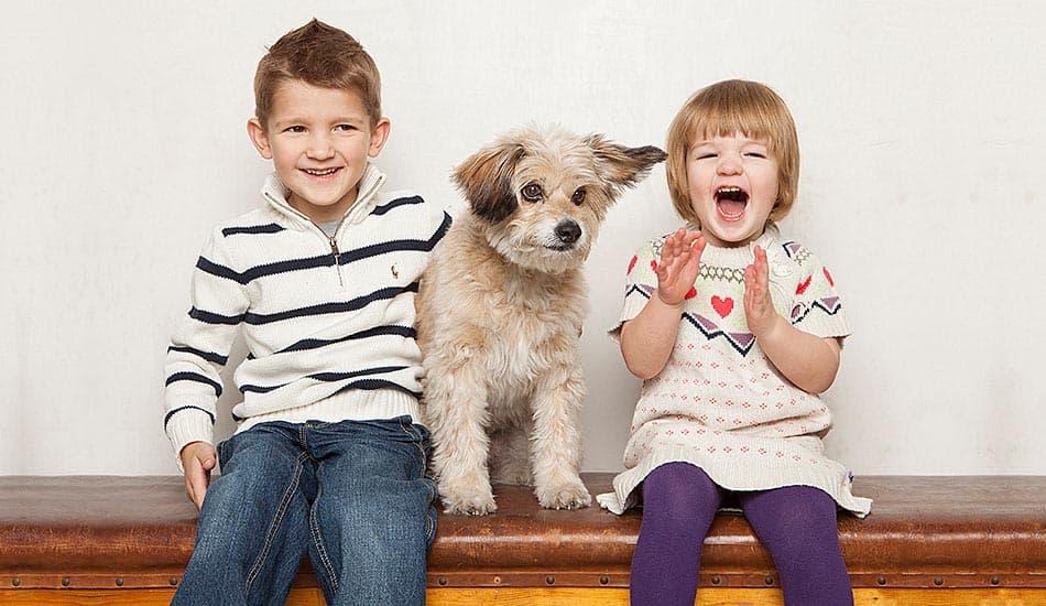 Familenfoto mit Hund